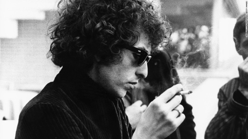 131203123231-03-bob-dylan-horizontal-large-gallery
