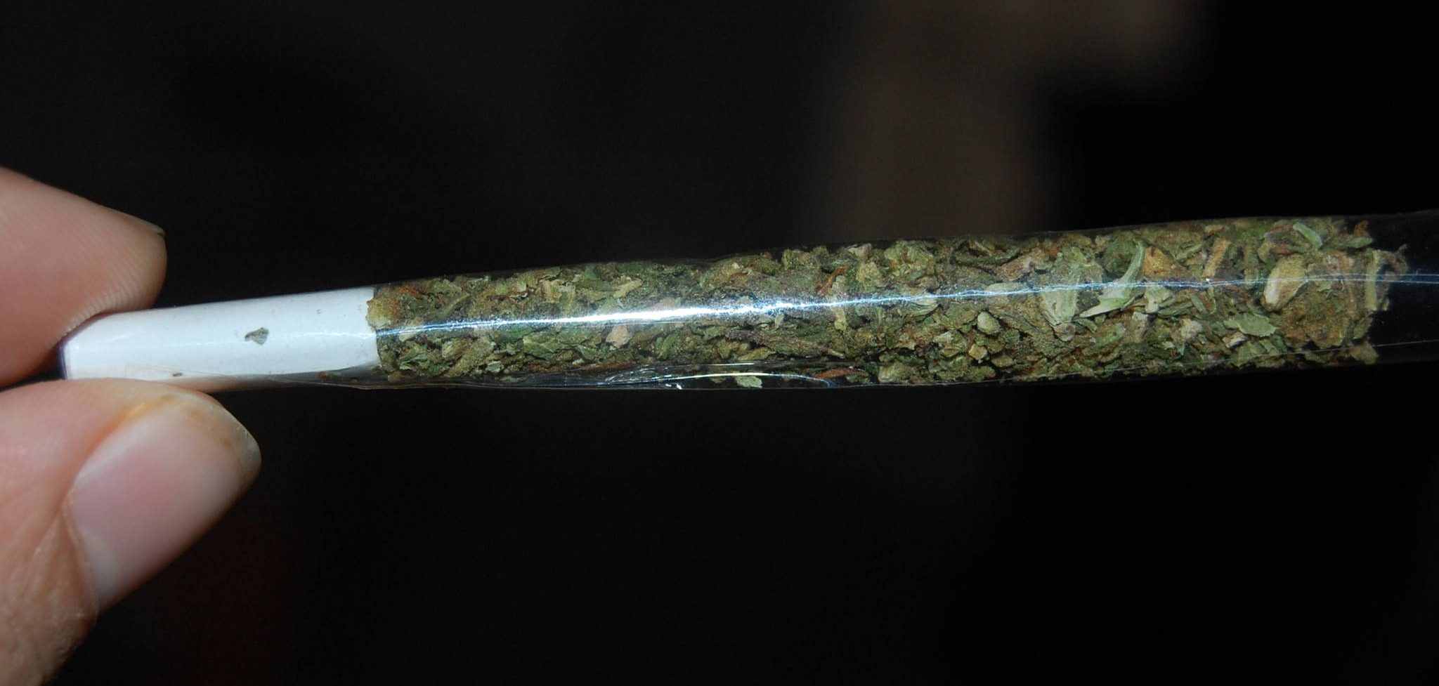 Clear rolling paper
