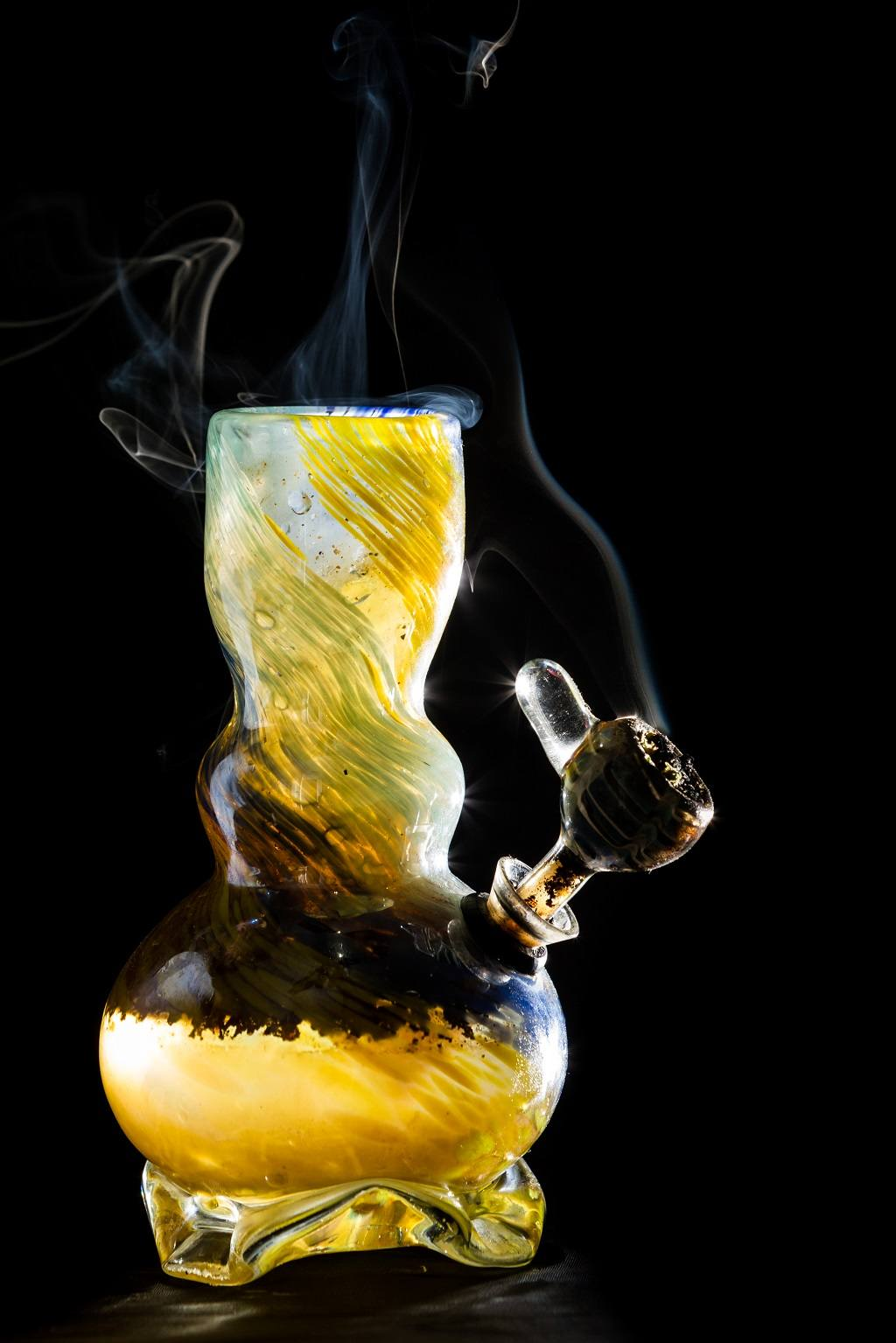 5 Important Things You Should Know About Bong Or Waterpipe - Red ...
