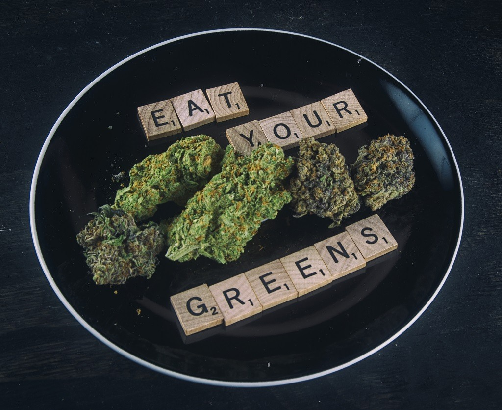 eating marijuana on plate benefits health